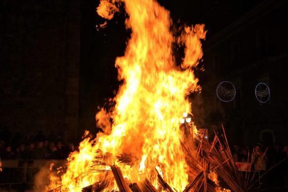 Il fuoco sacro – le radici pagane di un rito popolare