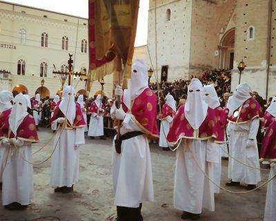 Chieti, l'antica processione del Venerdì Santo